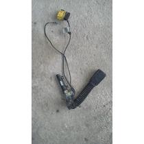 Clip De Cinturon Detonador Izq. Bmw 328i Sedan 1999-2004.