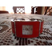 Reloj De Pulsera Tipo Brazalete Rojo Para Dama Original