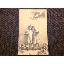 Preciosa Foto Postal Antigua Con Niños, Años 20s