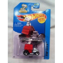 2014 Hot Wheels Con Snoopy Dog House Peanuts Coche Charlie B