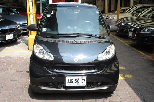 Showcar. Smart Fortwo Black & White 2011.aut,tp,ra.mot 71 Hp