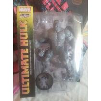 Figura Ultimate Hulk Marvel Select Collection