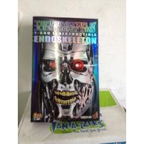 Hot Toys T-800 Exterminador Endoskeleton Terminator 1/6