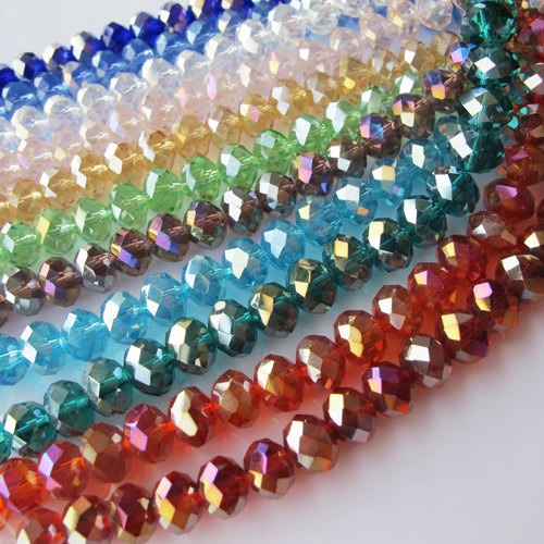 En Karati encuentras la mayor variedad de productos para armar bisutería fina, desde Dijes Pewter, perla, seda para joyería, piel, cadena, piedras naturales, druzy, hasta la Fabricación y .