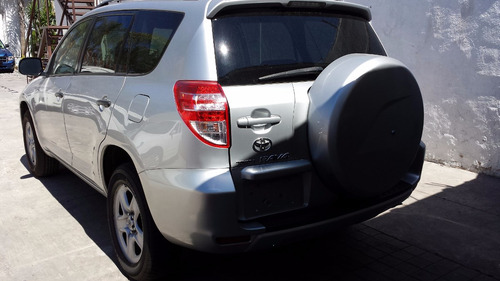 Toyota Rav4 3 Filas