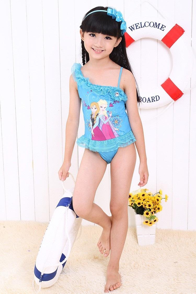 ¡Ropa de baño para niñas! ¿Cuál es la adecuada para ella ...: http://www.planetaninas.com/ropa/ropa-de-bano-para-ninas-cual-es-la-adecuada-para-ella.html