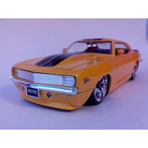 Chevy Camaro 1969 Z/28 - Jada Toys - Escala 1:24 - Amarillo