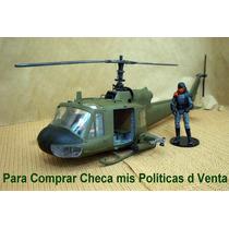 Lee Anuncio X Helicoptero Uh-1c Huey 1/24 P Figura 7.50 Cms