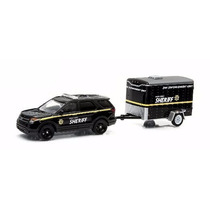 Greenlight Ford Police Interceptor Hitch & Tow Remolque