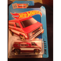 Hot Wheels Super Van (roja)