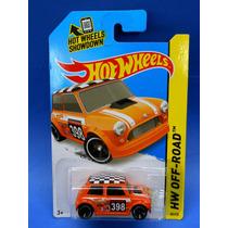 2013 Hot Wheels Off-road Mini Cooper Morris Mini Naranja