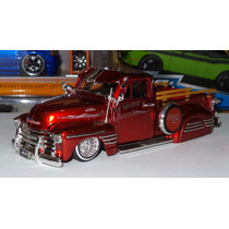 1:24 Chevrolet Pick Up 1951 Rojo Jada Low Rider Display