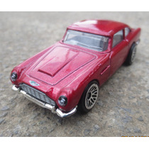 Bonito Aston Martin Hot Wheels