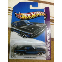 Hot Wheels 71 Dodge Challenger Negro
