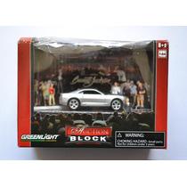 Diorama Auction 2010 Chevrolet Camaro Ss Caja Golpeada