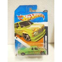 Hot Wheels Camioneta Customized C3500 Verde 92/244 2011 Tl