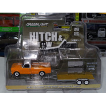 1:64 Chevrolet C-10 1969 & Flatbed Greenlight Hitch Tow