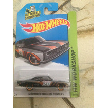 Hot Wheels 68 Plymouth Barracuda Formula S (negro)