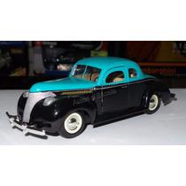 1:24 Ford Custom 1940 Negro C Verde Motor Max Carcacha