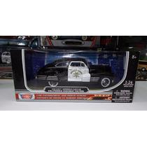 1:24 Chevrolet Aerosedan 1948 Patrulla Motor Max Ccaja