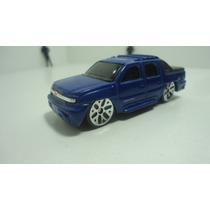 Maisto Chevrolet Avalanche 2002 Ganalo..!!!!