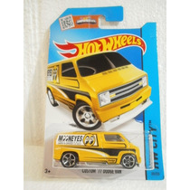 Hot Wheels Custom 77 Dodge Van Amarillo 20/250 2015
