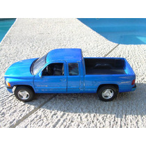 Dodge Ram Quad Cab 1500 Sport De Welly 1:24