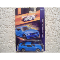 Ford Mustang Gt Coupe 2010 (azul) - Maisto - 1/64