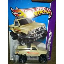 Hotwheels 1987 Toyota Pickup Truck 2012