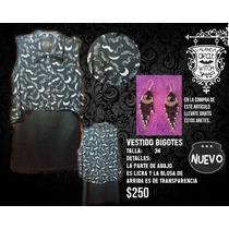 Vestido Negro Con Blusa De Bigotes Estampados
