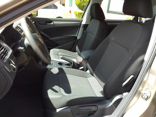 Volkswagen Passat 4p Comfortline 2.5l