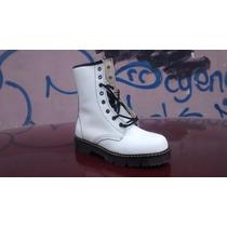 Botas Blancas, Tipo Martens
