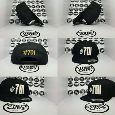 5a681cd83a20 Gorra Yupoong #701 Negro Blanco Dorado Snapback en venta en Las ...