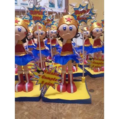 Centro De Mesa Mujer Maravilla Fiestas Infantilesrecuerdos 900