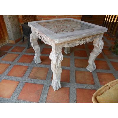 Mesa vintage tallada en madera y con decapado antiguo - Decapado de muebles ...