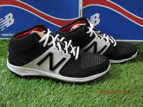 New Balance Spikes Mid Metal Cleats 3000v3 Negro Gris en
