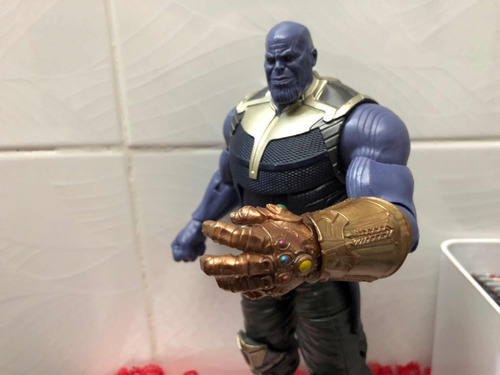 Thanos Marvel Legends Baf