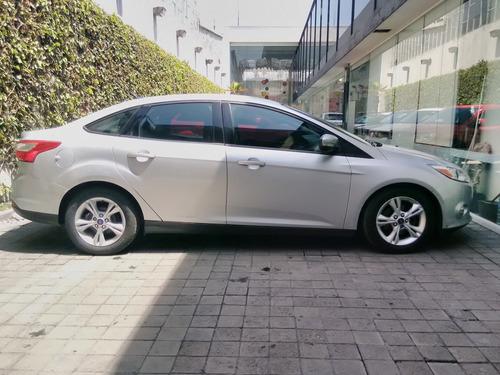 Ford Focus Sin Definir 4p Se L4/2.0 Aut