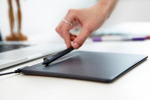 Nueva Tableta Digitalizadora Wacom Intuos Mac Y Pc en venta en