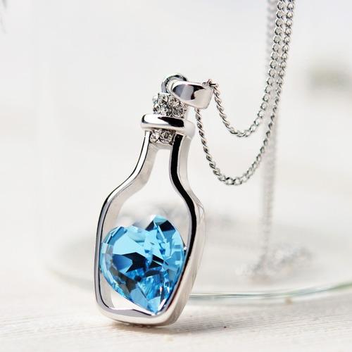 Collar Botella Corazón Cristal Elegante Dama Discreto