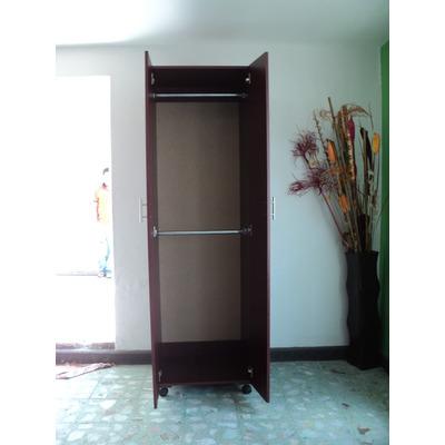 Modulos minimalistas para armar tu closet modulo con 2 for Closets minimalistas df